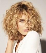 stylish curly hair ideas 2018