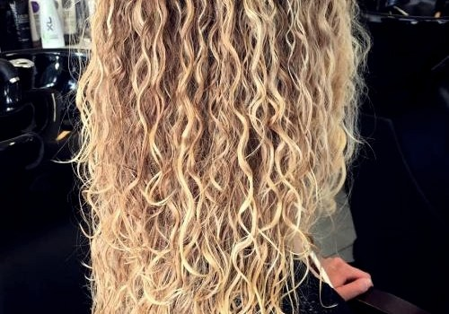 35+ Best Hairdos for Curly Hair - hairdos for curly hair 1