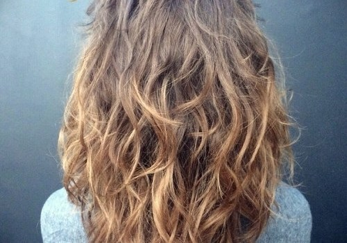 35+ Best Hairdos for Curly Hair - hairdos for curly hair 13