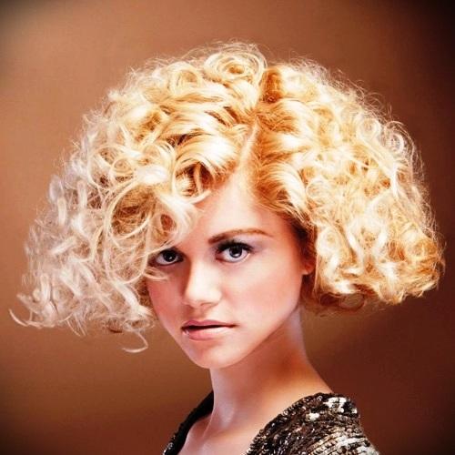 short-blonde-curly-hair-1