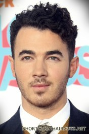 Best Short Curly Haircuts for Men - short curly haircuts men 2