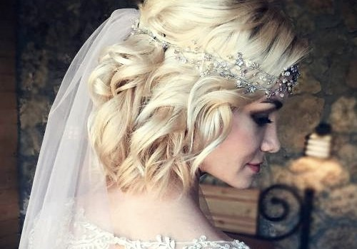 Short Curly Hairstyles for a Wedding - short curly hairstyles wedding 16