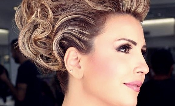 Short Curly Hairstyles for a Wedding - short curly hairstyles wedding 19