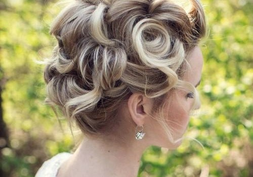 Short Curly Hairstyles for a Wedding - short curly hairstyles wedding 32