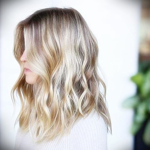 short-hairstyles-for-thick-wavy-hair24