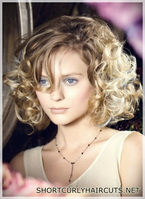 best-hairstyle-with-curls-16