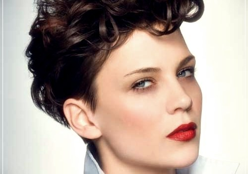 Top 20 Female Short Curly Hairstyles - female short curly hairstyles 21