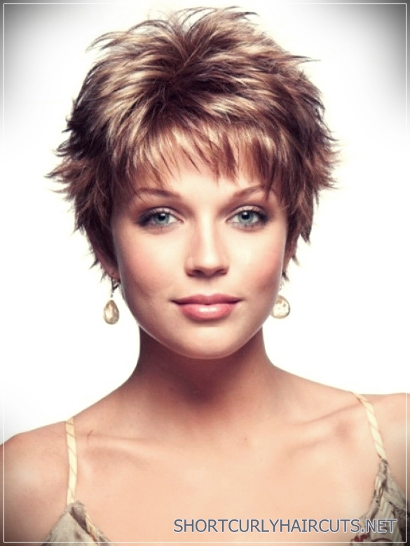 6 Alluring Short Haircuts For Thick Hair Short And Curly