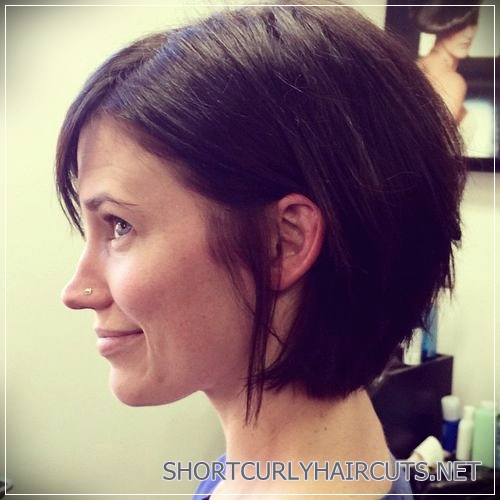short haircuts for thick hair 17 - 6 Alluring Short Haircuts For Thick Hair
