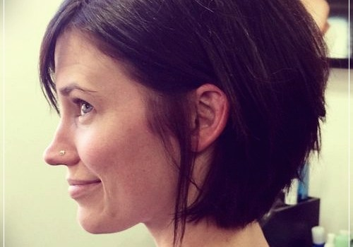 6 Alluring Short Haircuts For Thick Hair - short haircuts for thick hair 17