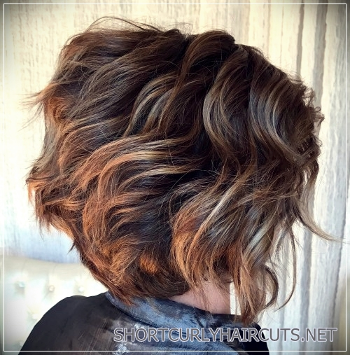 short haircuts for thick hair 22 - 6 Alluring Short Haircuts For Thick Hair