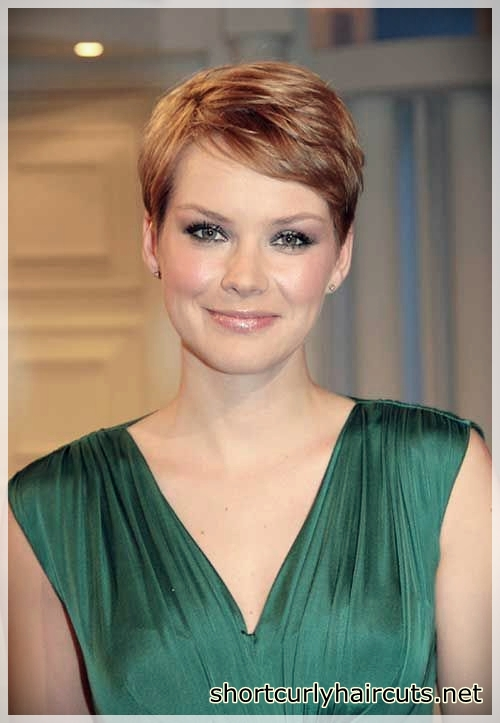 pixie haircuts for round faces 14 - Best Pixie Haircuts for Round Faces