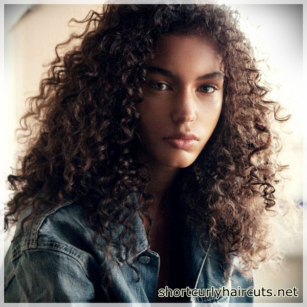 short haircuts for curly hair 5 - Suggestions of Short Haircuts For Curly Hair