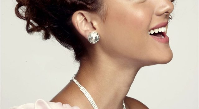 Choose the perfect hairstyle for your short hair - prom hairstyles for short hair 13