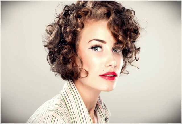 Short curly haircuts 2018