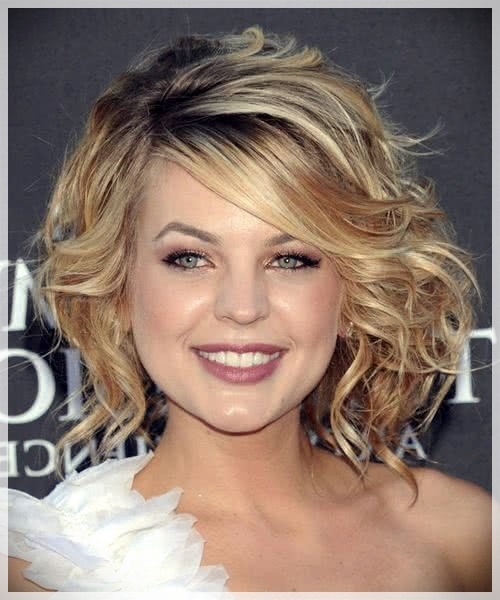 Haircuts for Round Face 2019: photos and ideas - Haircuts for Round Face 2019 17