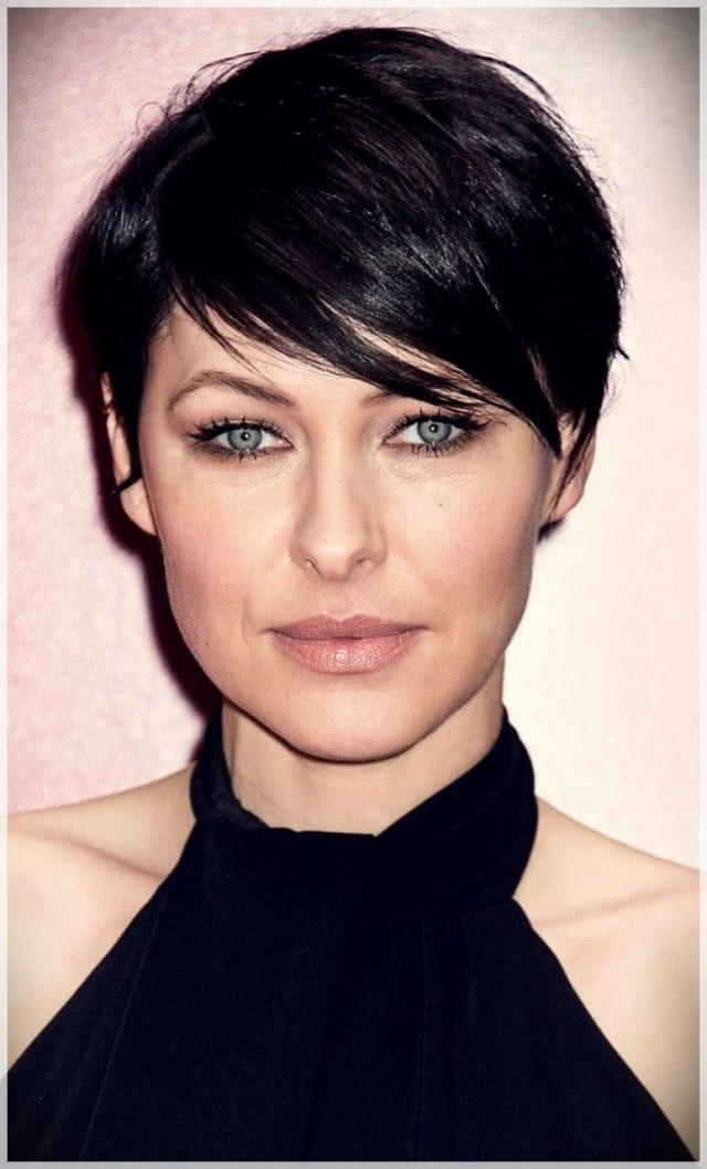 Haircuts with bangs 2019: photos and trends - Haircuts with bangs 2019 4