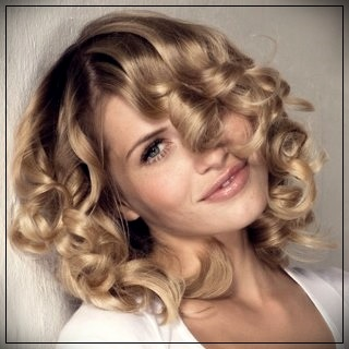 Trendy hairstyles for short hair quickly and beautifully. Elegant stacking options - hairstyles for short hair 4