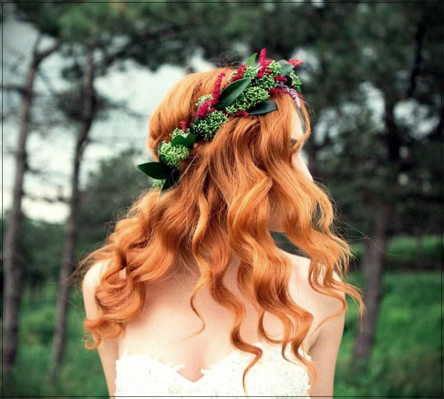 bridal hairdo with red hair: beautiful ideas