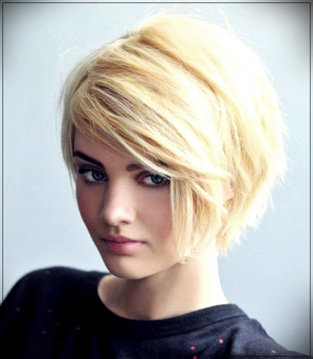Haircuts for short hair for women over 30
