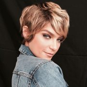 latest pixie haircuts women
