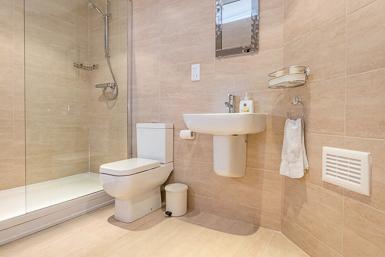 Shower Room en suite to Double Bedroom