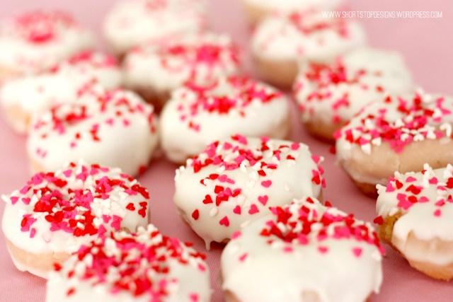 mini valentines donuts 7