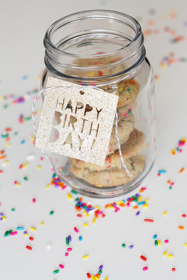 Cricut Glitter Birthday Gift Tag