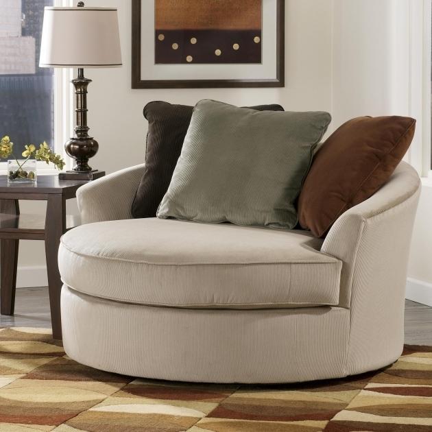 Round Swivel Cuddle Chair