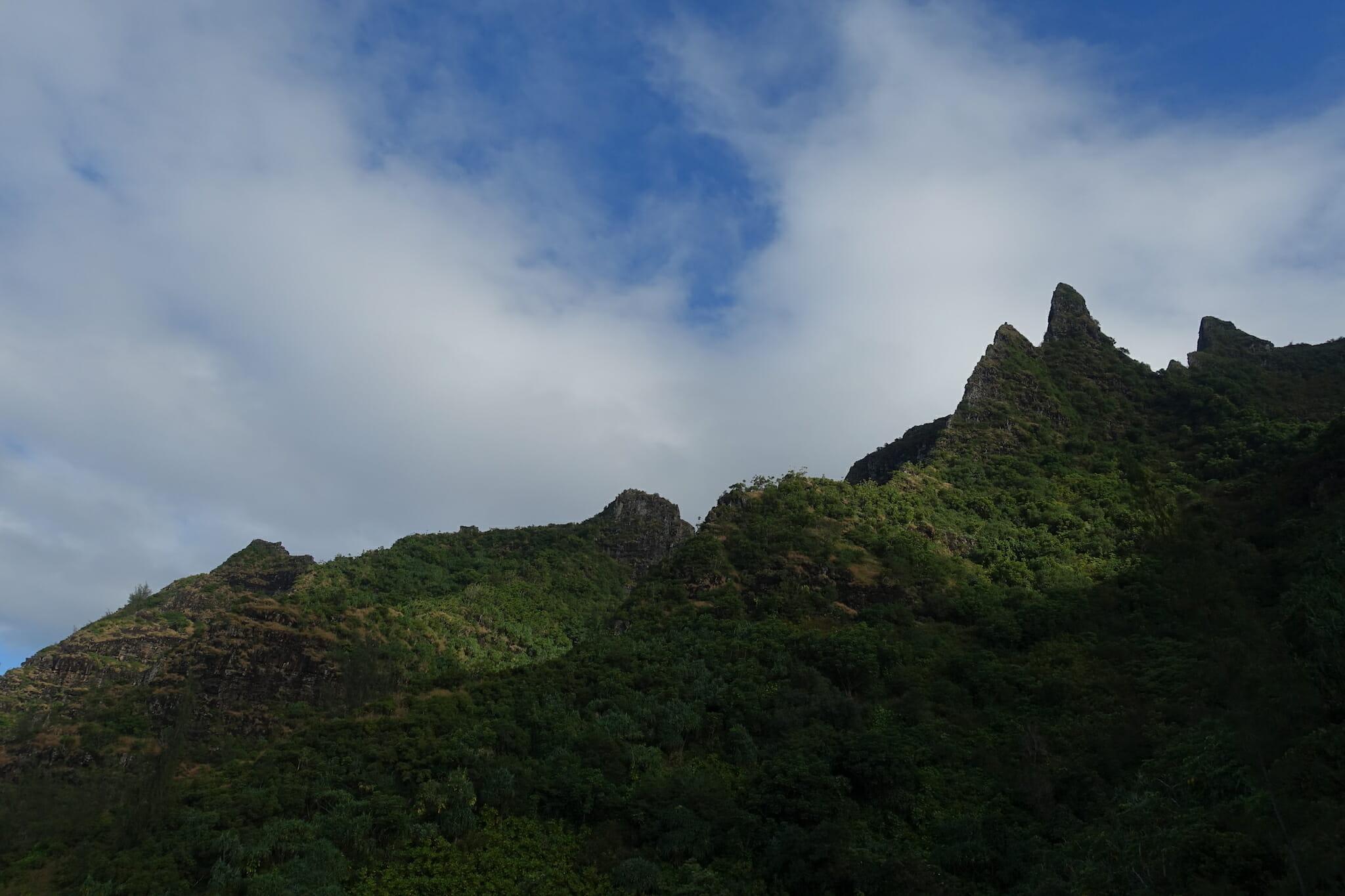 peaks and ridges along the Kalalau Trail