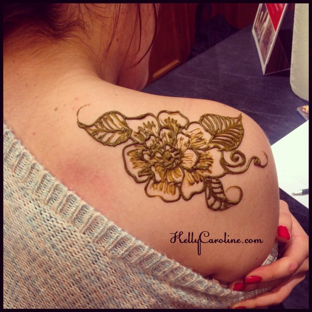 Shoulder Simple Henna Tattoo Designs
