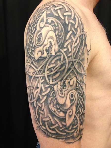 69 Awesome Celtic Shoulder Tattoos