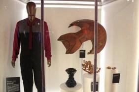 Sisko and a Cardassian ship.