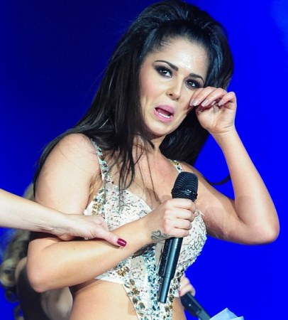 cheryl cole at girls aloud tour-showbizbites