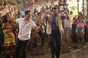 Rishi Kapoor's New Style with Tattoos on Body in Chashme Baddoor