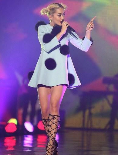 Rita Ora fashion mishap in tokyo-01-showbizbites