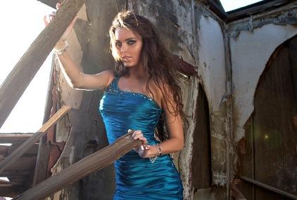 model-dress-showbizbites