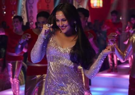 sonakshi-himmatwala-showbizbites