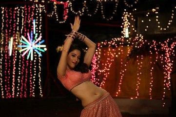 tamannaah dancing-himmatwala-showbizbites