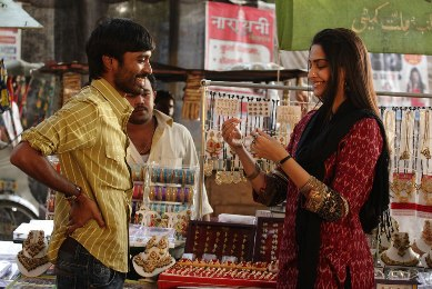 Raanjhanaa Movie Stills
