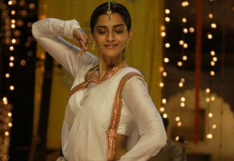 sonam-dancing-raanjhanaa-showbzibites