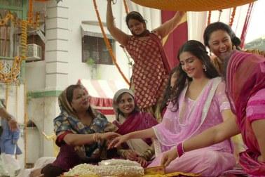 sonam in raanjhanaa-showbizbites