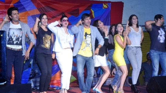 grand masti-team-showbizbites