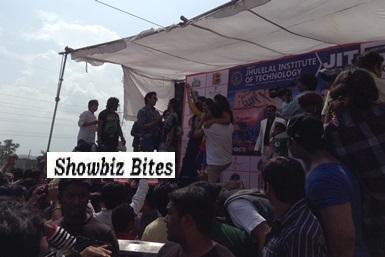 Akshay Kumar in Nagpur at a college festival-showbizbites-featured