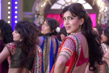 besharam-still-pallavi-showbizbites