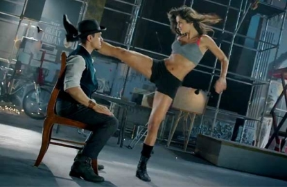 dhoom3-moviestill-01-showbizbites