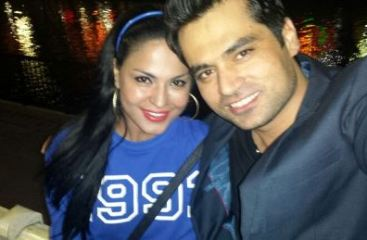 veena with asad-showbizbites