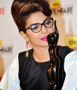 priyanka at 59th filmfare awards-showbizbites