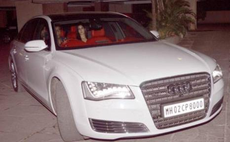 ranbir-katrina together in car-showbizbites