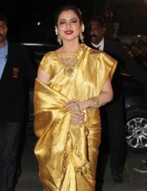 rekha at 59th filmfare awards-showbizbites